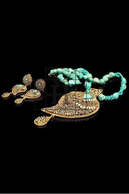Picture of Feroza Paisley Pendant Set