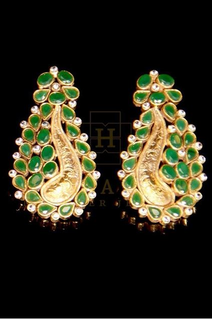 Picture of Emerald Paisley Earrings