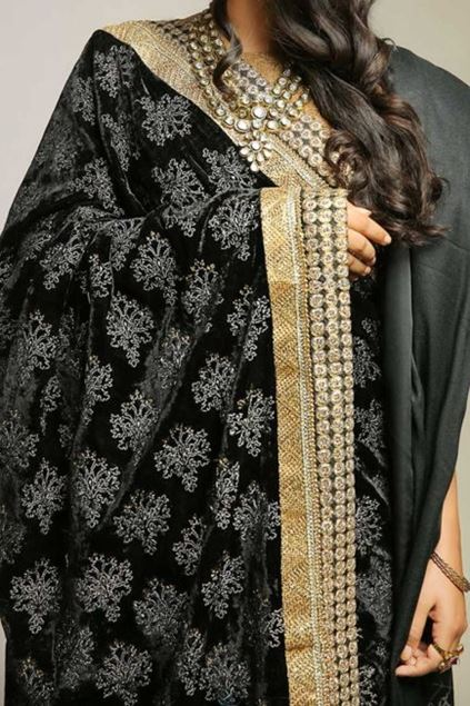 Picture of Black Velvet Shawl
