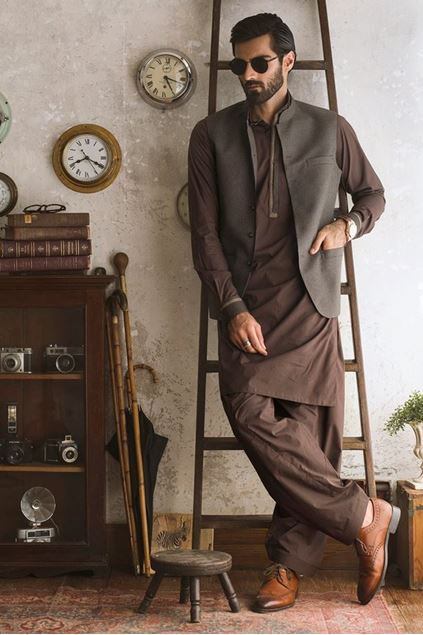 Picture of Brown Houndstooth Waistcoat
