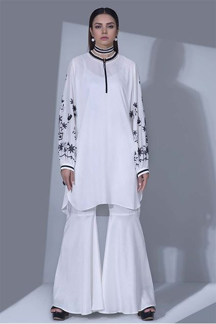 Picture of White Embroidered Linen Kurta