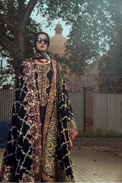 Picture of Formal Black Velvet Shawl with Gold Pattern