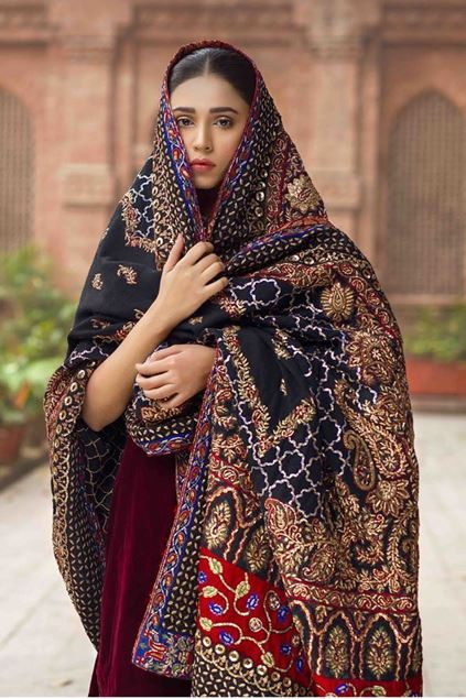 Picture of Formal Black Shawl