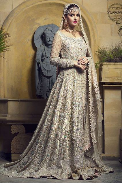 Picture of Gold Lame Gown