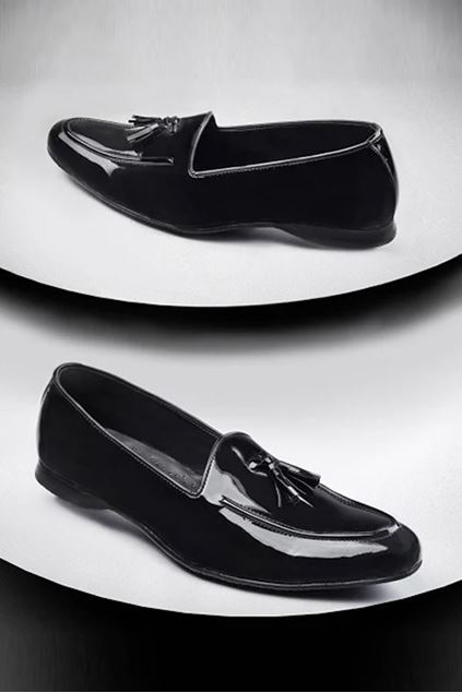 Picture of Black Patent With Tassel